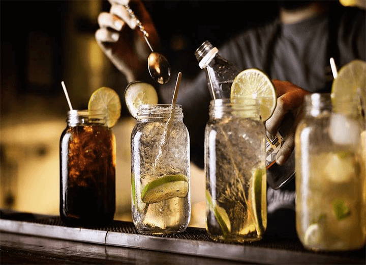 TOP 5 Bars and clubs in Santa Marta