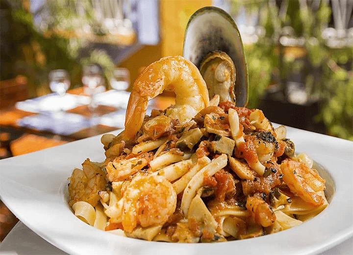 TOP 9 Restaurants in Santa Marta